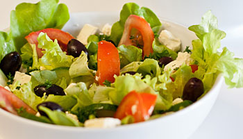 Low FODMAP Greek Salad